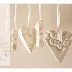 Mini French lace ornaments - heart shaped small - porcelain - set of 5